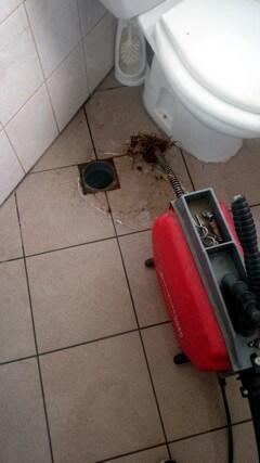 WC duguláselhárítás spirálozással